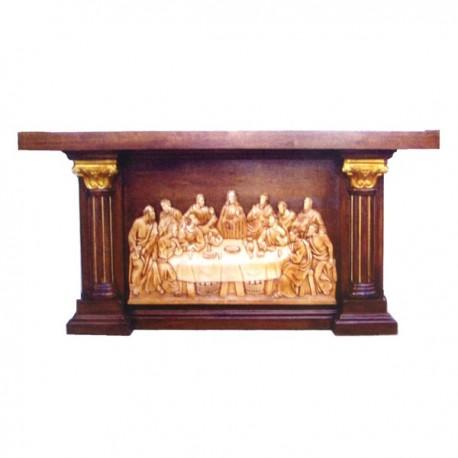 Altare in legno realizzato interamente a mano for Arredi religiosi