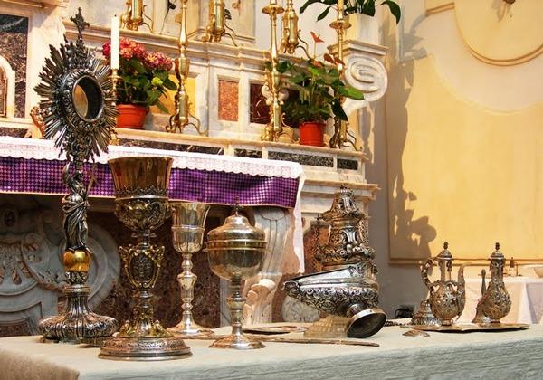 Arredi sacri per altare faps parma for Arredi sacri