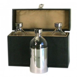 CASE WITH THREE BOTTLES
