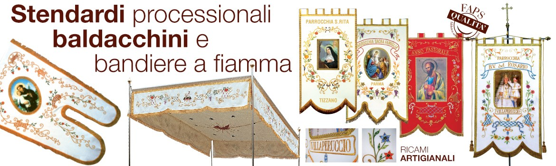 Stendardi processionali realizzati e ricamati artigianalmente dalle mani esperte delle nostre ricamatrici.